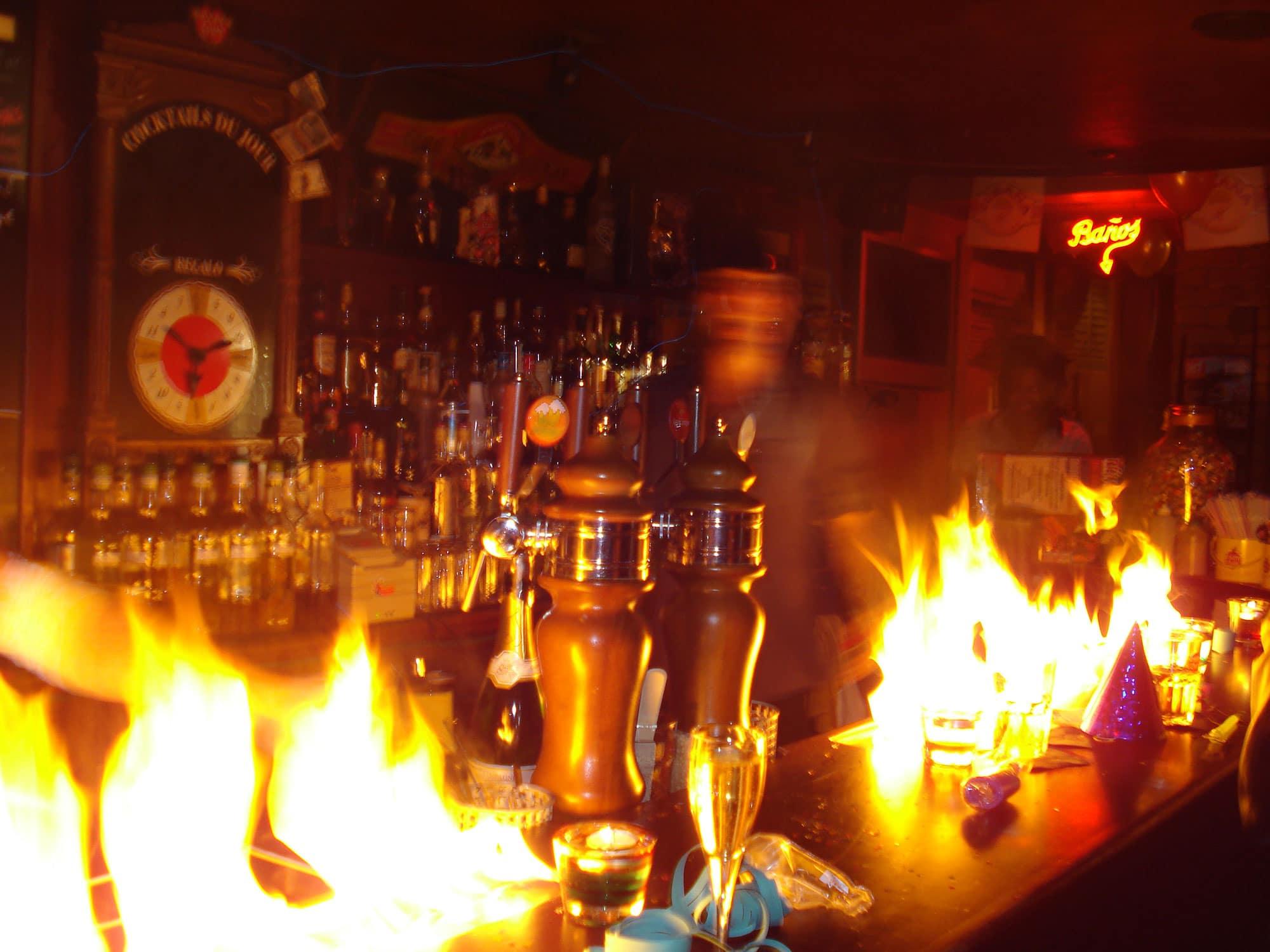 Bar à cocktails cubain Paris Cubana Café soirée salsa